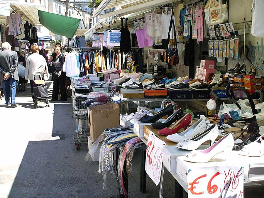mercato a napoli